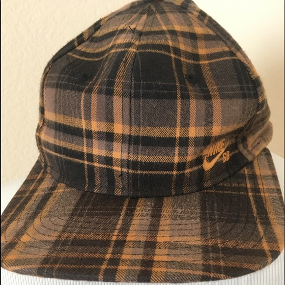 Nike hat cap adjustable hat plaid black gold hat